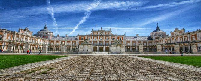 Concurso público del Palacio de San Esteban para el servicio de azafatas