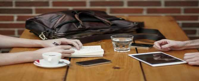 Adjudicación serveis cursos de idiomas per ICIQ, Tarragona
