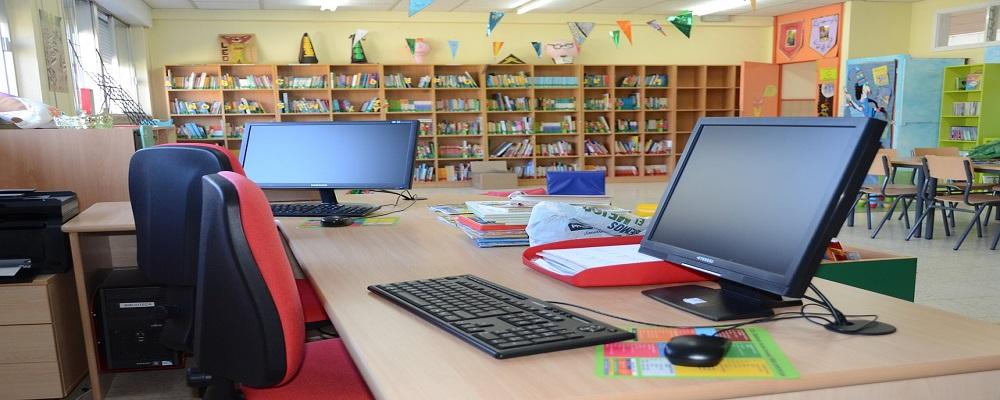 Adjudicación adquisición mobiliario escolar, oficina y laboratorio, León