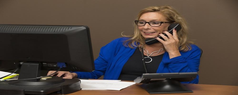 Licitación servicios recepción de llamadas para Informa D&B, Barcelona