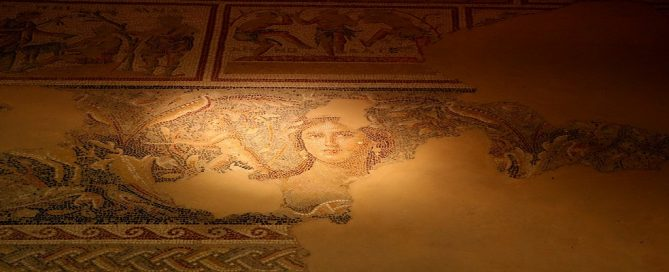 Licitación conservación y restauración murales de la Sala Pamplona, Navarra
