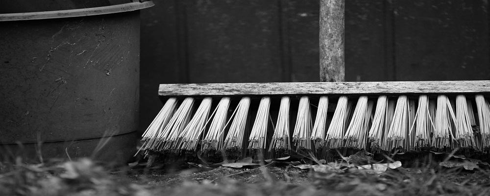 Licitación sustitución del personal de limpieza de Unión de Mutuas, Valencia