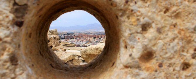 Licitación soterramiento de contenedores en Salares, Málaga